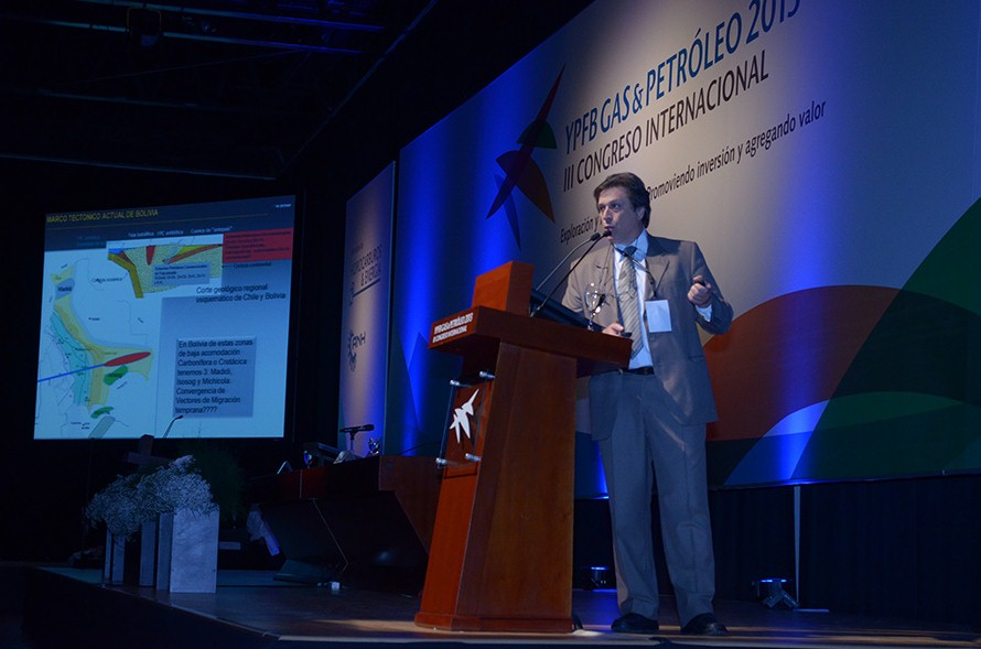 Roberto Mario Hernández - Congreso 2013